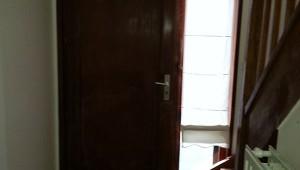 entree-et-cage-descalier-avant-01